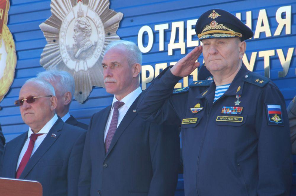 Начальник штаба — первый заместитель командующего Воздушно-десантными войсками России генерал-лейтенант Николай Игнатов.