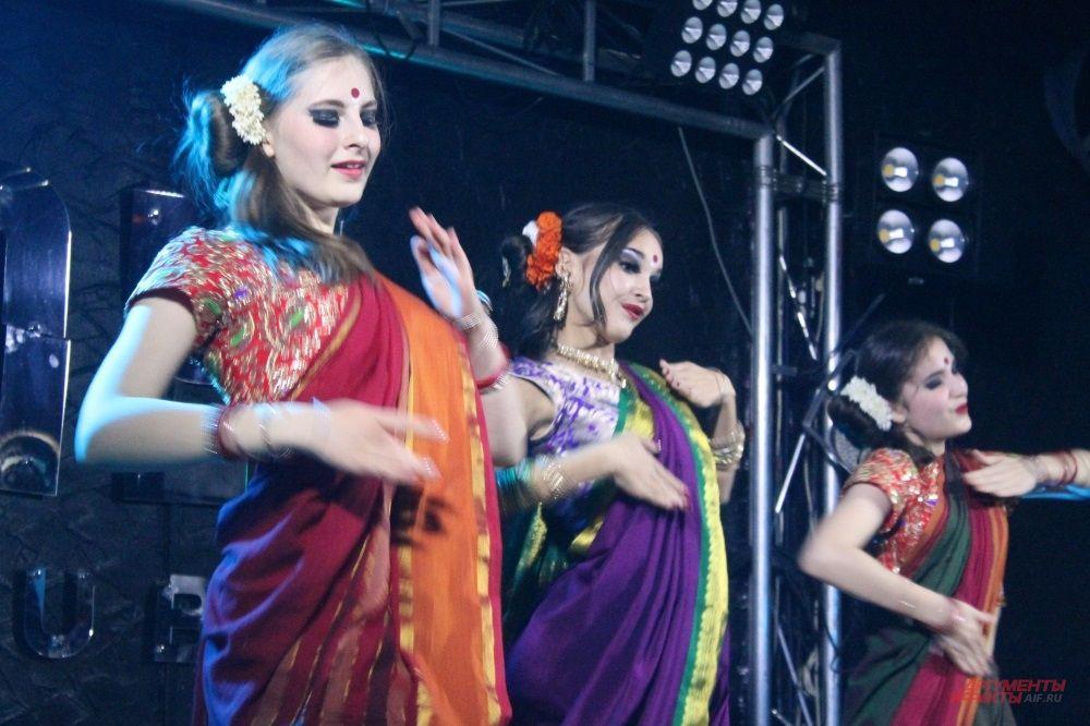 Нередко девушки выбирали национальные танцы для выступления