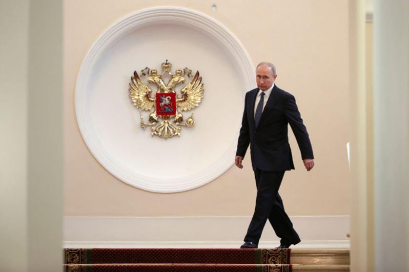 Владимир Путин в Сенатском корпусе Московского Кремля перед церемонией инаугурации.