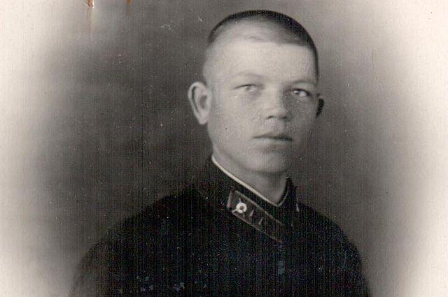 Василий Истомин.