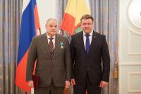 Вице-губернатор Рязанской области Игорь Греков (слева)