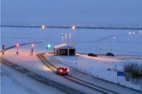 10 мая будет проведена оперативная оценка состояния проезжей части и принято решение о продолжении работы либо о закрытии ледовой переправы и запуске вездеходов на воздушной подушке.