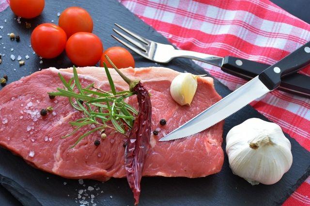 Были сильно завышены цены на мясо, рыбу, масло, сахар и муку.