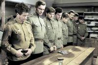 В афише кинотеатра представлены лучшие фильмы о войне.