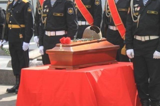 Под Багратионовском захоронят останки советских летчиков, погибших в ВОВ.