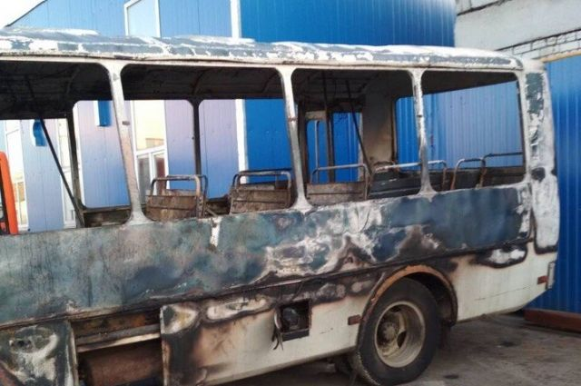 В Нижнем Новгороде выясняют причины возгорания маршрутного такси.
