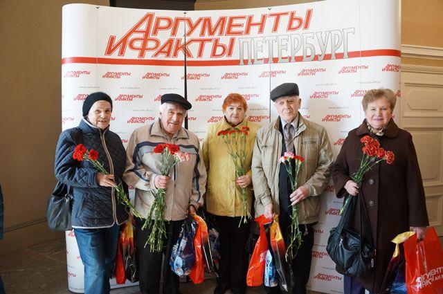 АиФ-Петербург поздравил ветеранов с Днем Победы.