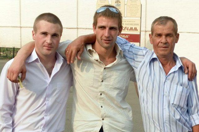 Дружная семья Маланчук, в том числе и Дима (в центре), готова принять биологического сына Маргариты и Анатолия.