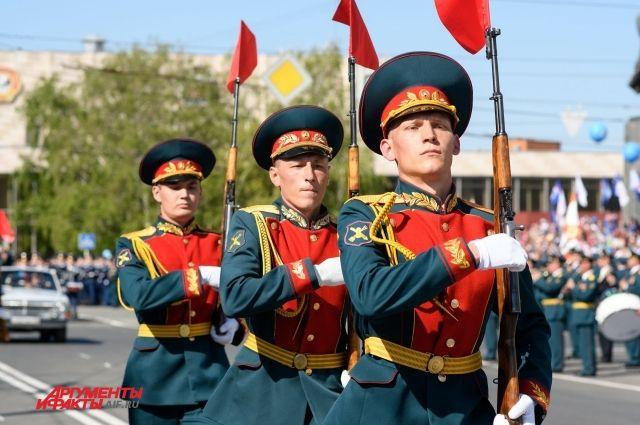 В Оренбурге прошел парад в честь 73-й годовщины Великой Победы.