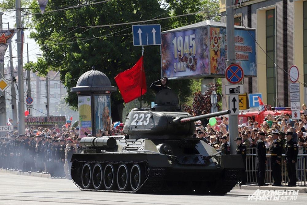Легендарный танк Т-34 штурмовавший Кенигсберг.