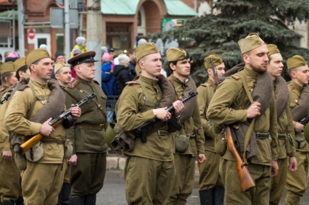 Бойцы исторической реконструкции тоже волнуются.