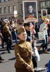 Многие были одеты в военную форму.