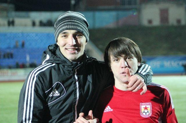 Резиуан Мирзов (справа)