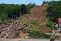 Под Мукачево у недействующего карьера из-за смещения уничтожено три дома