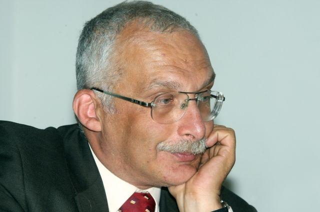 Александр Друзь - примерный семьянин.