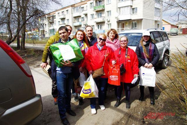 Участники автопробега в р.п. Колывань.