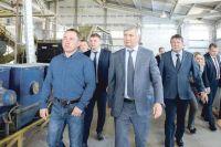 Глава области прошёл по цехам и осмотрел производственные линии «РосЭкоПласт».