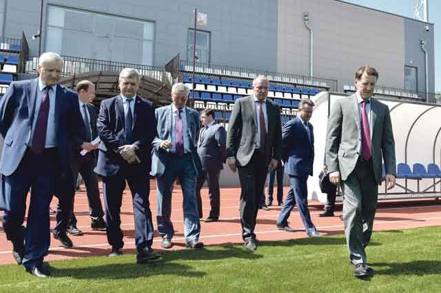 Алексей Гордеев и Александр Гусев проинспектировали строительство важнейших спортивных объектов.