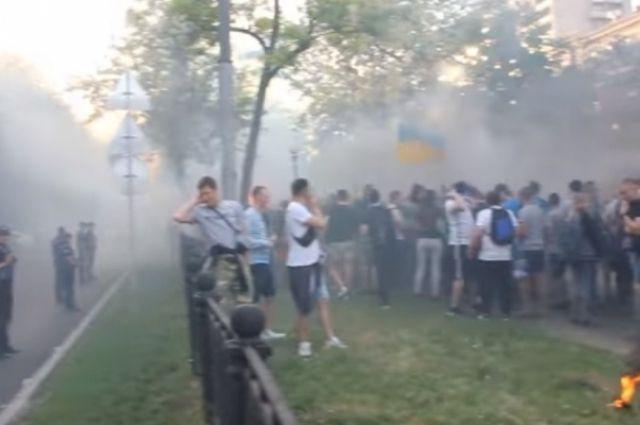 В Днепре футбольный болельщик поджег полицейского