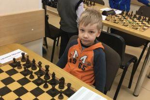 В своей возрастной группе мальчик завоевал 18 место из 35.