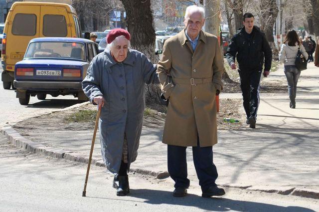 Растет число пенсионеров 60 лет и старше – в 2015 году их было 31 776 человек, в 2017 году уже 37 433 человека.