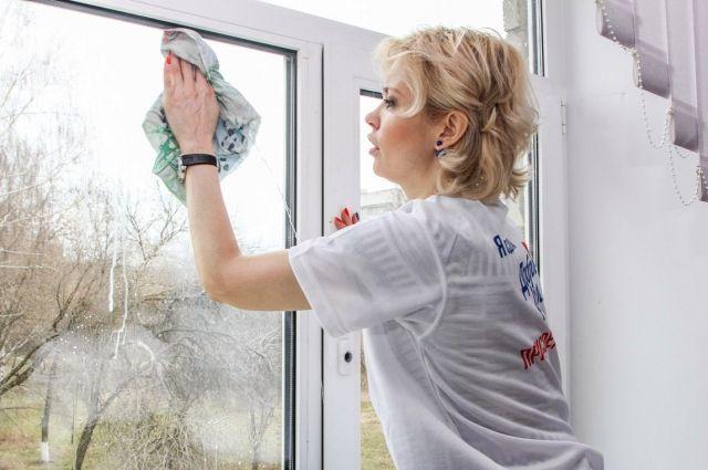 Помочь по дому одинокому пожилому человеку не менее почётно, чем работать волонтёром на чемпионате мира по футболу.
