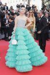 """Актриса и модель Фань Биньбинь поразила всех своим образом """"мятной пены"""" или диснеевской принцессы - так шло ей это платье."""