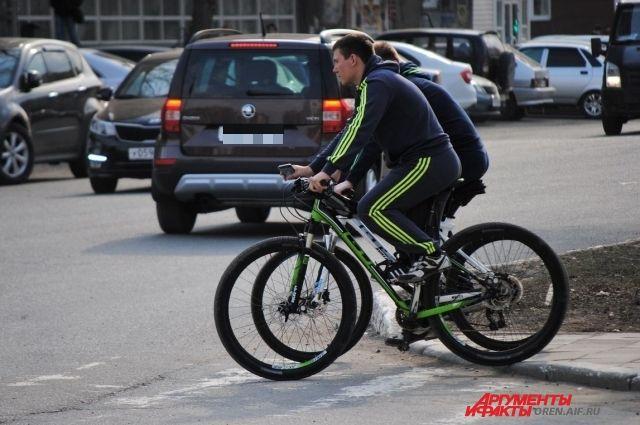 Люди, которые предпочитают велосипед автомобилю на 15% реже берут больничный.