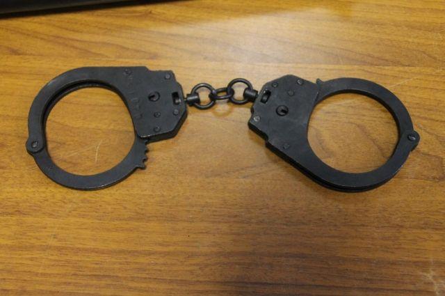 Подозреваемого в преступлении мужчину 1958 года рождения задержала полиция.