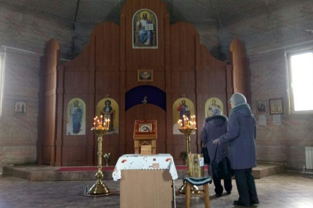 Иконы с мощами пробудут в храме до 24 июня.