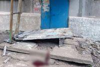 В Донецкой области на четырех детей рухнула бетонная стена