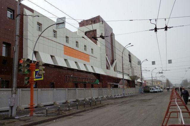 ВКемерове приступили ксносу сгоревшего торгового центра «Зимняя вишня»