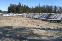 На участке дороги Надым – Старый Надым произведено устройство дамбы, которая поможет минимизировать последствия резкого повышения уровня воды.