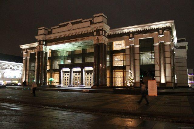 Пензенский областной драматический театр имени А.В. Луначарского находится в самом сердце города.