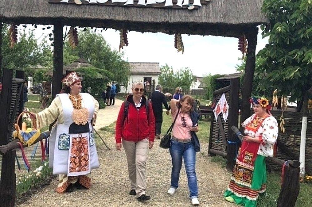Все подворья «Атамани» показывают реконструкции традиционных народных обрядов.