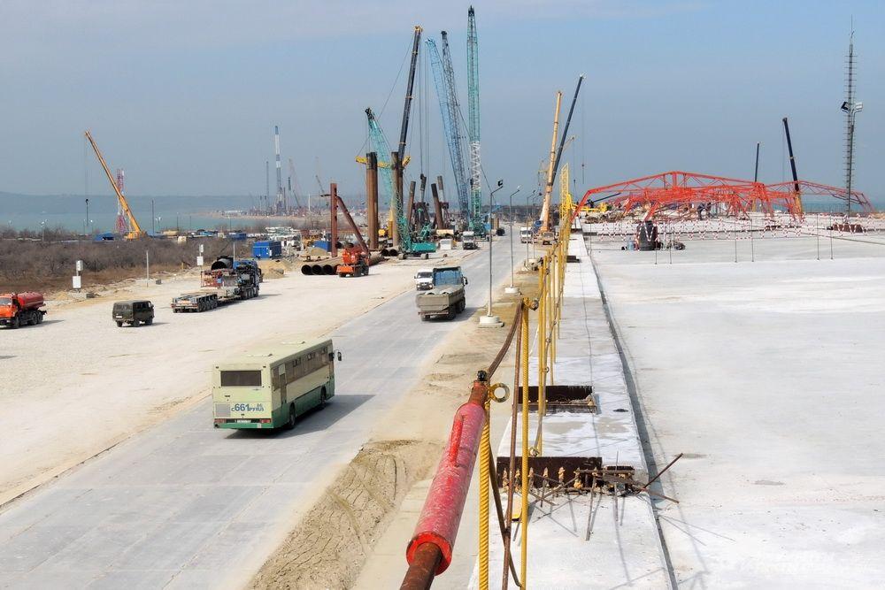 Этот участок моста на острове Тузла стал пилотным: здесь первыми отрабатывались все этапы реализации проекта. 13 марта 2017 года.