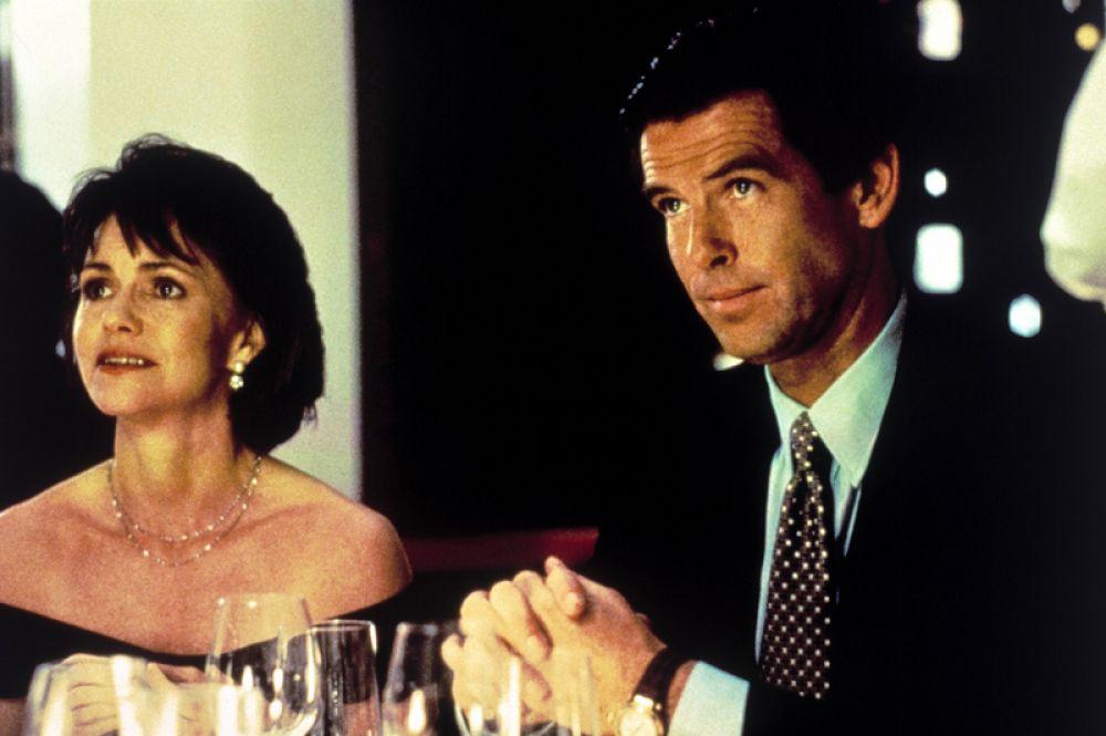 Следующей заметной его работой стала роль Стюарта Данмайра в комедии Криса Коламбуса «Миссис Даутфайр» (1993) с Робином Уильямсом и Салли Филд в главных ролях.
