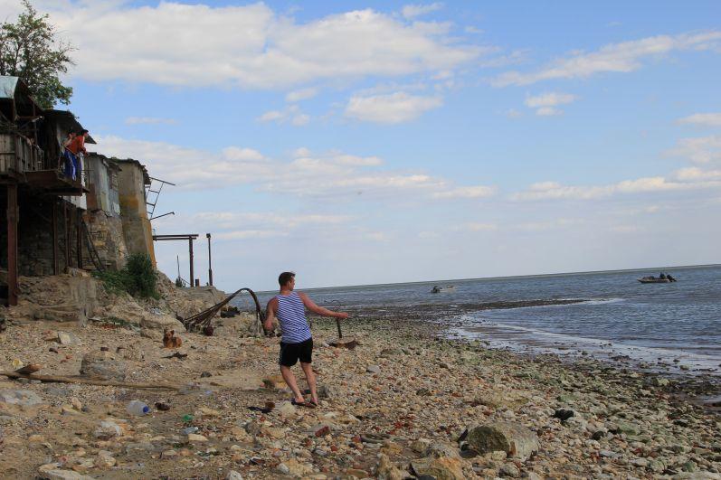 У рыбаков началась горячая пора. Люди здесь живут в тесноте, и как показалось, с некоторым смирением.