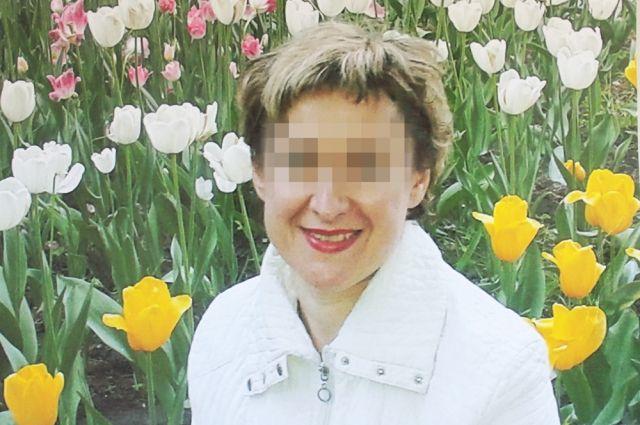 До пластической операции это была красивая женщина, а теперь обезображено лицо и гниёт весь организм.