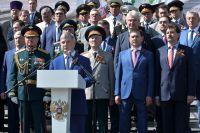 Александр Гусев пожелал всем воронежцам благополучия и мирного неба над головой.