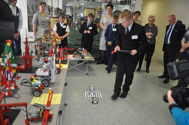 В Прокопьевске прошел фестиваль робототехники для школьников.