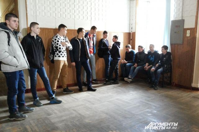 Сколько стоит зачёт? Во Владивостоке задержали преподавателя-взяточника