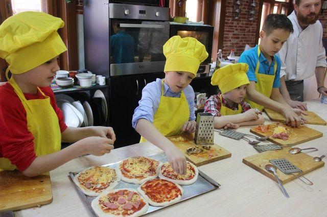 После первых попыток заработать самим дети больше ценят усилия родителей.