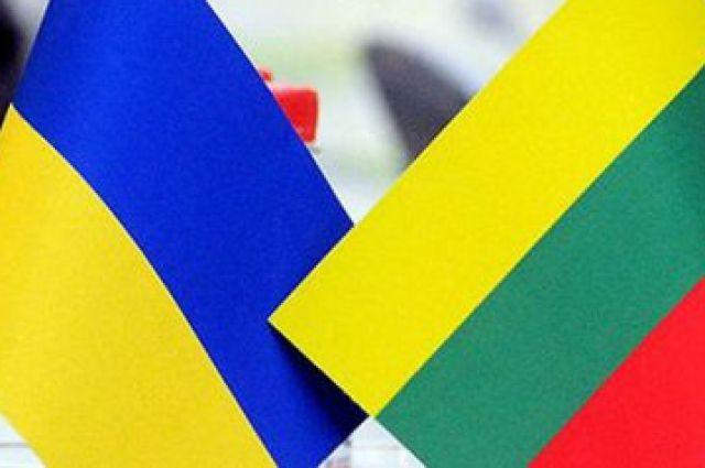 Литва вводит квоты на профессии из-за наплыва трудовых мигрантов из Украины