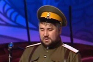 Алексей Рюмкин исполняет песню