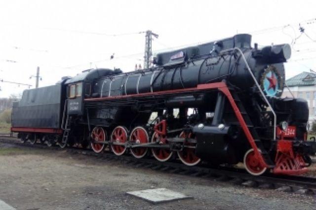 Мощность паровоза  достигает 2200 л/c