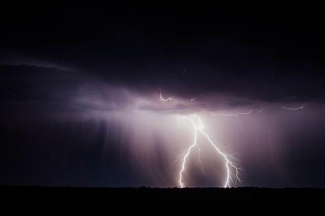 В Оренбургской области в ближайшие сутки ожидается гроза.