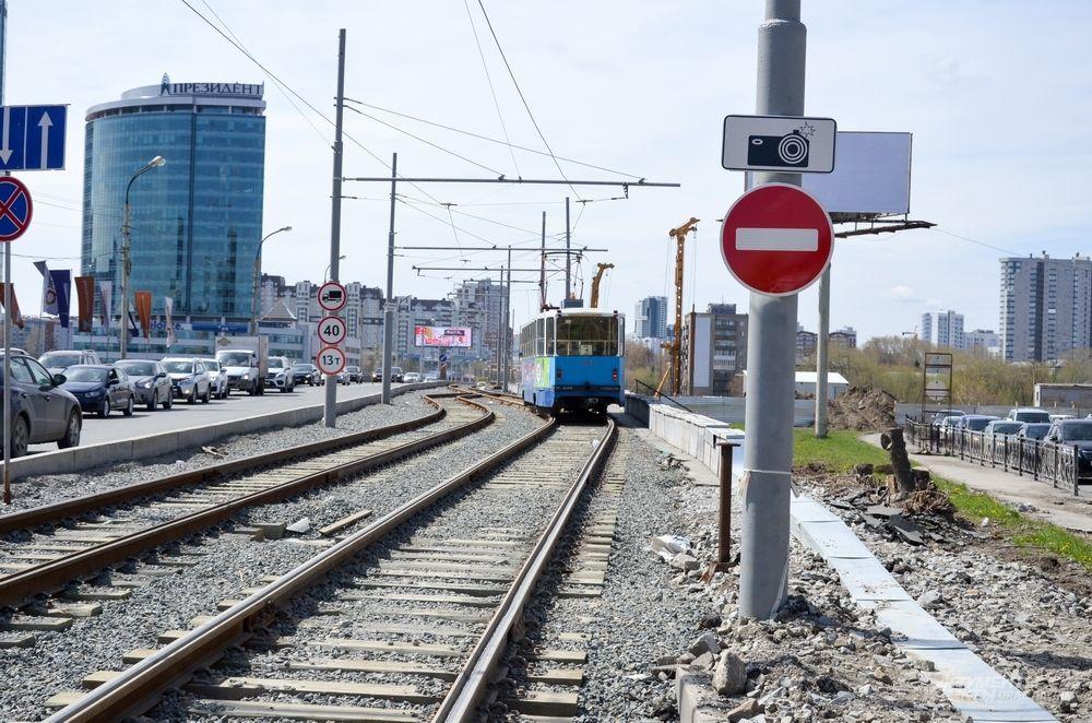 Макаровский мост со стороны Железнодорожного вокзала.