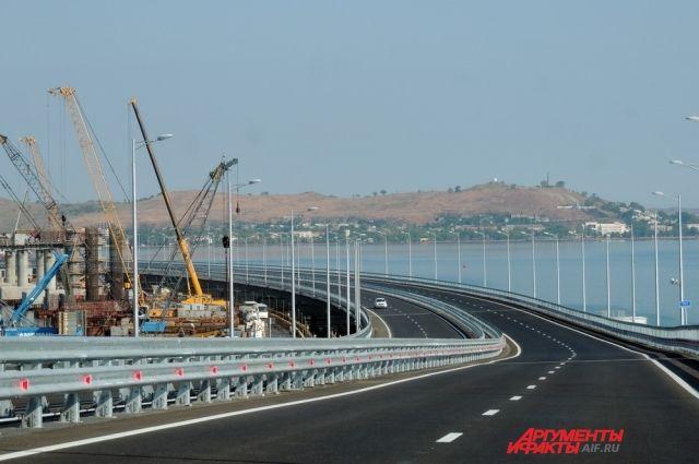 Безумие мистера Рогана. Что стоит за призывами бомбить Крымский мост?