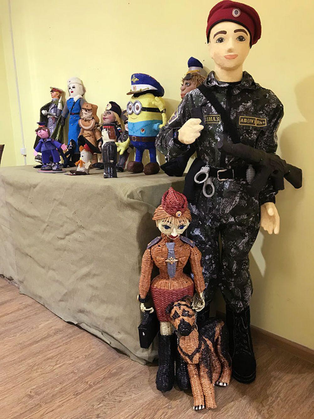 Постарались в этом году участники и с ростовыми куклами.